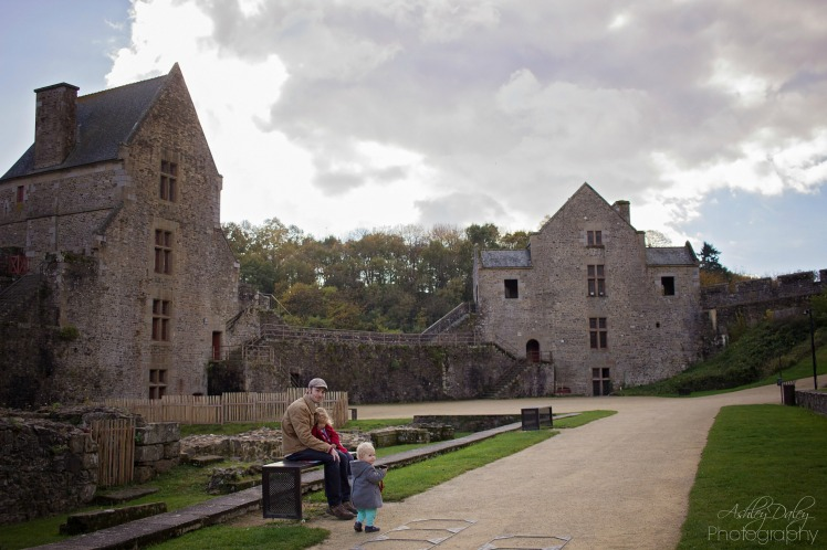 brittany-with-kids-chateau-de-fougeres-10