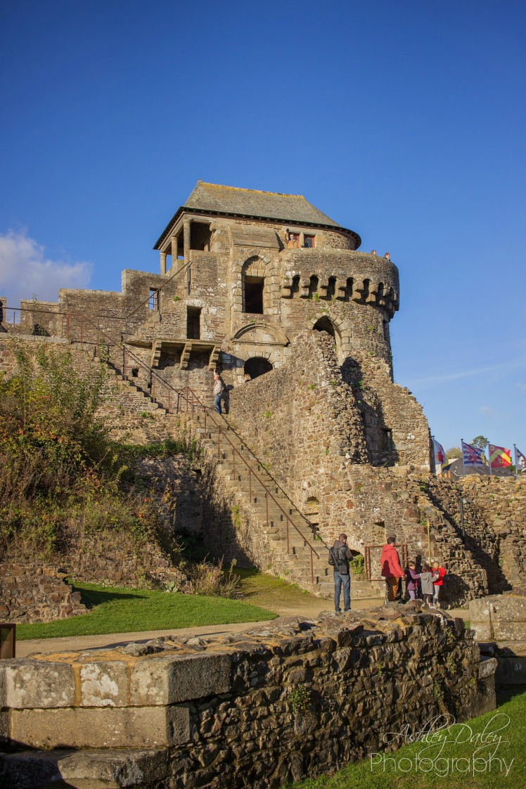 brittany-with-kids-chateau-de-fougeres-13