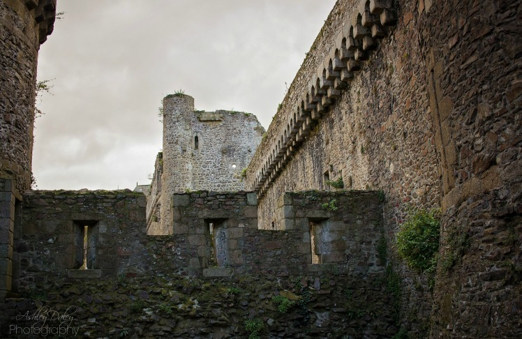 brittany-with-kids-chateau-de-fougeres-3