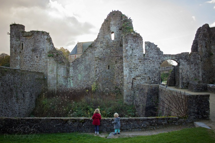 brittany-with-kids-chateau-de-fougeres-7